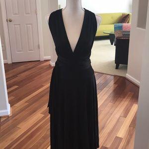 Dresses & Skirts - Black Silk Jersey Convertible Halter Dress